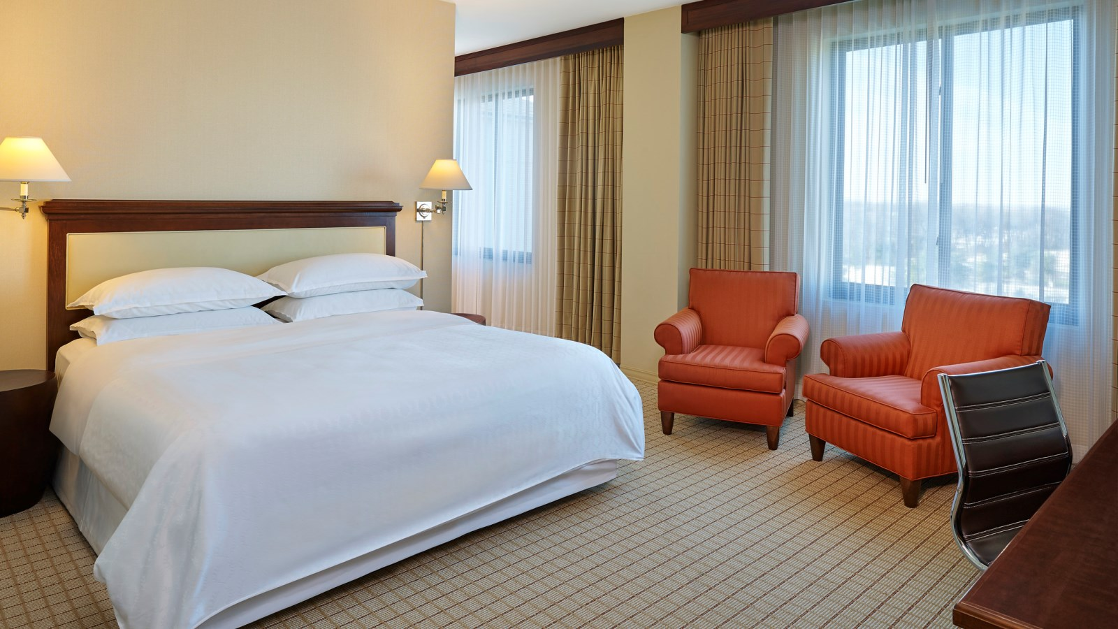 Oversized Rooms with King Bed at Sheraton Stonebriar Hotel